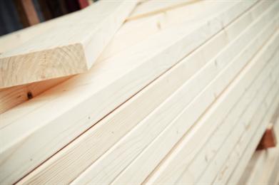 Het SLS hout is de laatste jaren erg populair geworden in Nederland. Dit komt omdat het hout multifunctioneel is te gebruiken door de sterkte en het lichte gewicht. Deze houtsoort wordt veel toegepast in Houtskeletbouw.