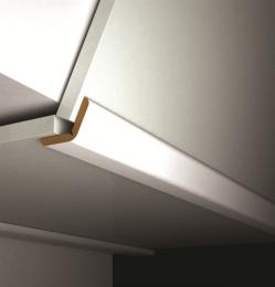 FTL plinten kunnen gebruikt worden als binnen-, buiten- en ?exibele hoek. Lengte: 2700 mm Breedte: 50 mm Dikte: 4 mm