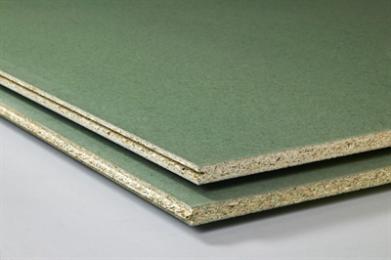 Spaanplaat wordt voornamelijk gebruikt in de meubelindustrie en in de woning- en utiliteitsbouw. Spaanplaat komt in de bouw overwegend voor als wandbekledings-, egalisatie- en constructieplaat, maar deze plaat is ook geschikt als niet-dragende scheidingswand. De randen van de in het zicht komende spaanplaat moeten ter voorkoming van vochtopname goed worden afgewerkt. In de meubelindustrie gebeurd dat meestal met houten lijsten, fineer of kunststofband.